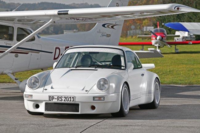 Ателье dp motorsports полностью одело porsche 911